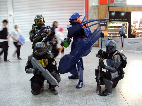 HB 24-11-2011 Hunter and Friends Cosplay.jpg